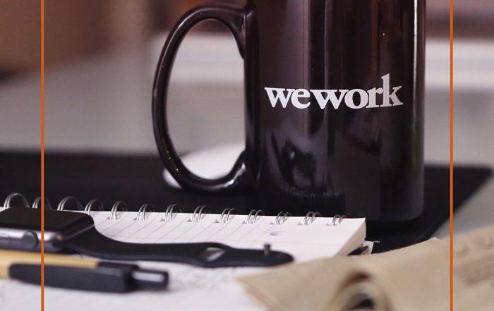 Wir arbeiten weiter, Tasse mit We Work